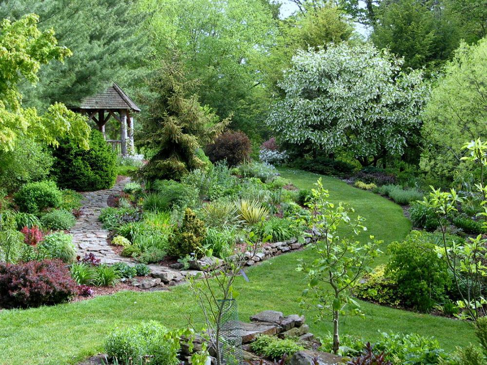 Mission Oaks Gardens Perennial Garden 9.JPG